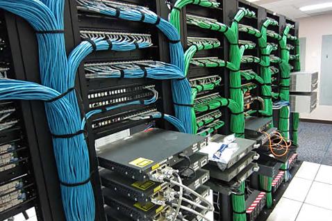 企业网站如何挑选香港服务器?